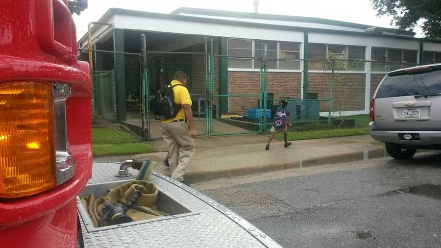 New Orleans authorities are working a possible carbon monoxide leak Monday afternoon at a school in Algiers.