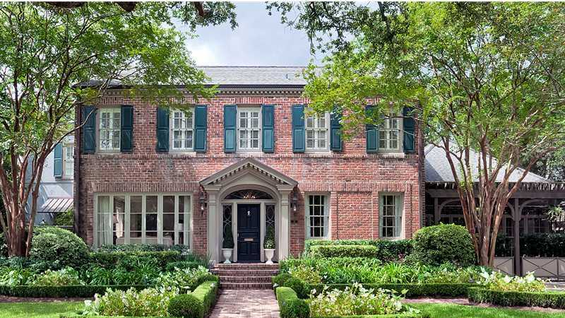 A beautiful and sought-after home in Metairie is featured in this week's Mansion Monday slideshow. It's located at 10 Farnham Place and is listed at $2.495 million. Contact Gardner Realtors for more information - info@gardnerrealtors.com or by phone: 800-566-7801.