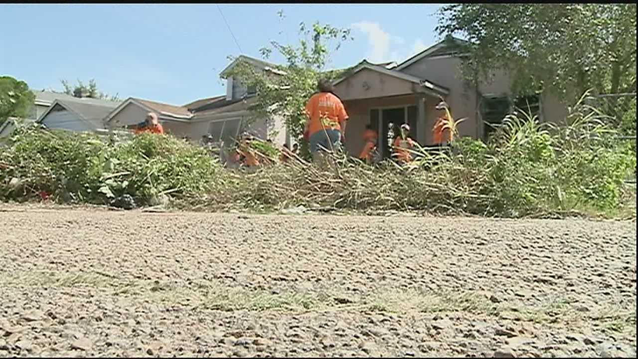 More than a 1,000 people spent much of their Saturday cleaning up various neighborhoods in New Orleans.