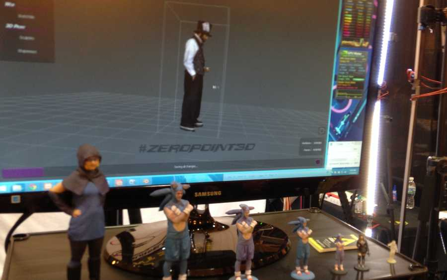 A fan being scanned for his mini-figure.