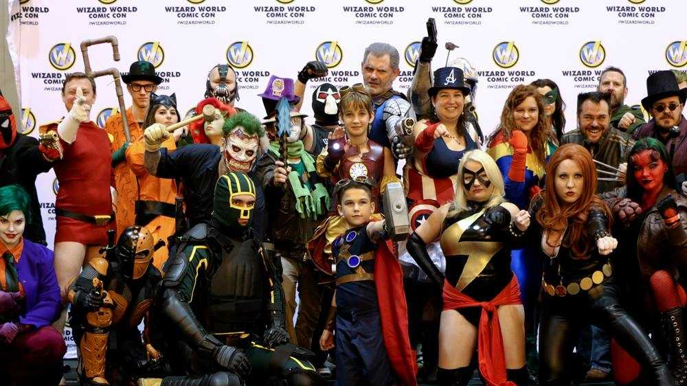 Artists, celebrities and 'cosplayers' shine at Wizard ...