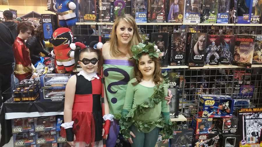 Little Harley Quinn, Poison Ivy and mom Riddler.