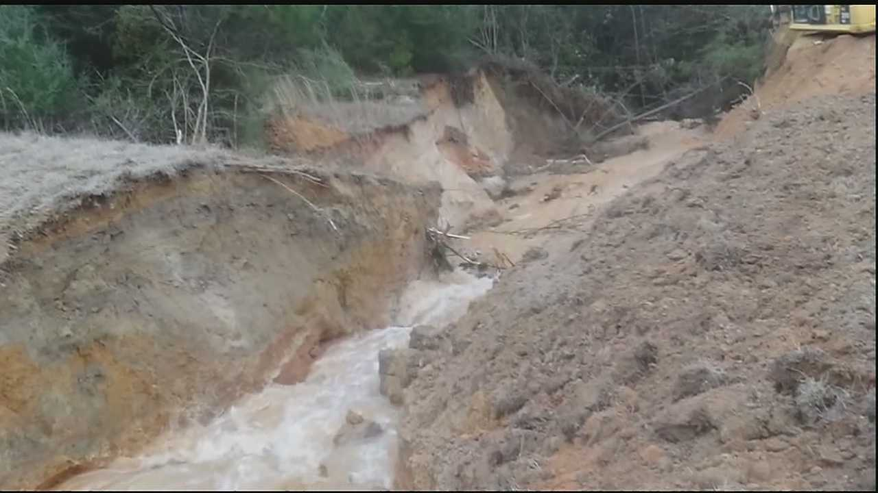 There were tense moments last night and this morning as a dam located on a Pearl River County, Mississippi lake appeared to be on the verge of breaking.