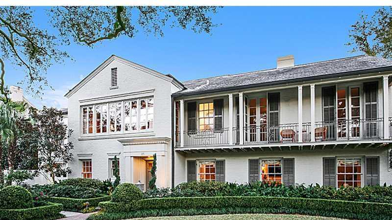 Pristine one-of-a-kind Metairie home located in the Farnham Place subdivision and listed at $2,295,000. Contact Gardner Realtors for more information at 504-887-7878.