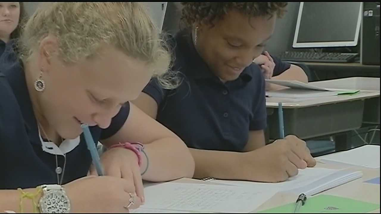 The St. Tammany Parish School Board is pushing state education leaders to hold a special meeting about Common Core test opt-outs.