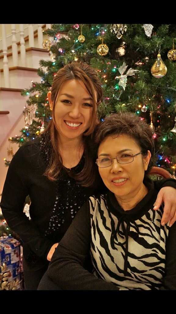 Sula Kim and her mother.