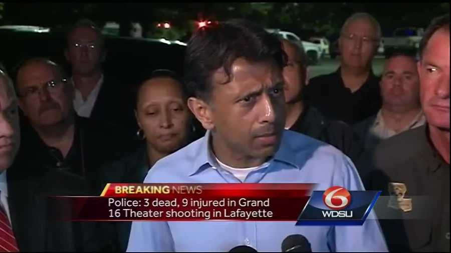 Governor Bobby Jindal holds an initial press briefing.