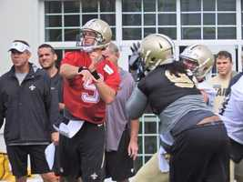 Drew Brees throws during one on one drills.