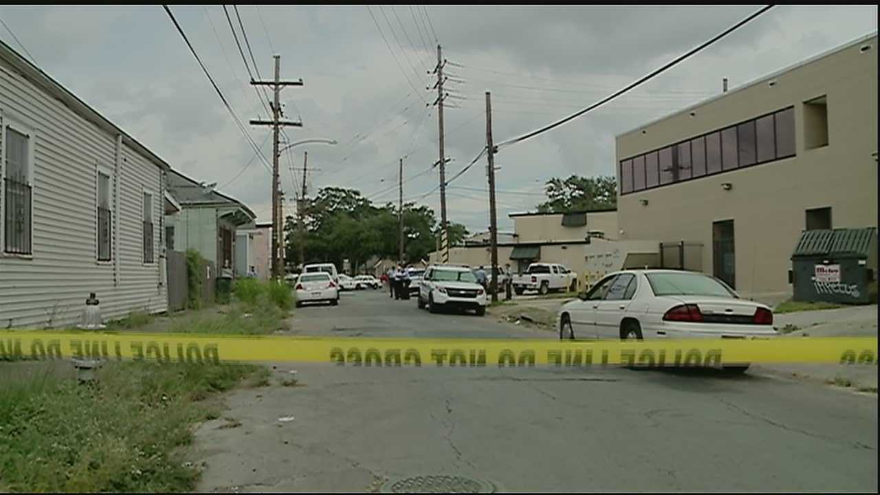 New Orleans police are investigating a triple shooting in Central City.