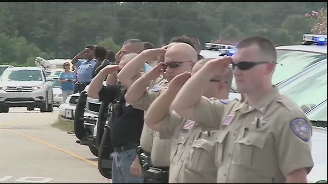 Law enforcement officers across the Northshore joined comrades in several states paying tribute to fallen Harris County Sheriff's Deputy Darren Goforth in Texas.