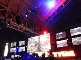 Crowds cheer for their favorite team as they play Call of Duty at MLG World Finals in New Orleans.