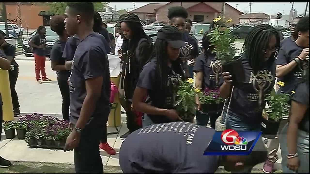 "Dozens of Howard University students traveled from Washington D.C. to New Orleans this week to give back to the community as a part of Howard's ""Alternative Spring Break"" program."