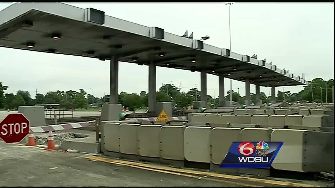 Beginning Monday at 9 p.m., crews with the Louisiana Department of Transportation and Development will begin the process to remove the Crescent City Connection toll plaza.