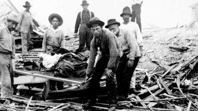1. Great Galveston Hurricane (1900) -- An estimated 8,000 people died in this Category 4 storm that devastated eastern Texas. So many people died that corpses were piled onto carts for burial at sea.