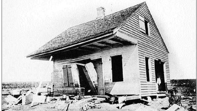 4. Cheniere Caminada Hurricane (1893) -- Also known as the Great October Storm, this Category 4 hurricane devastated the Louisiana island of Chenière Caminada. An estimated 1,100 to 1,400 people died.