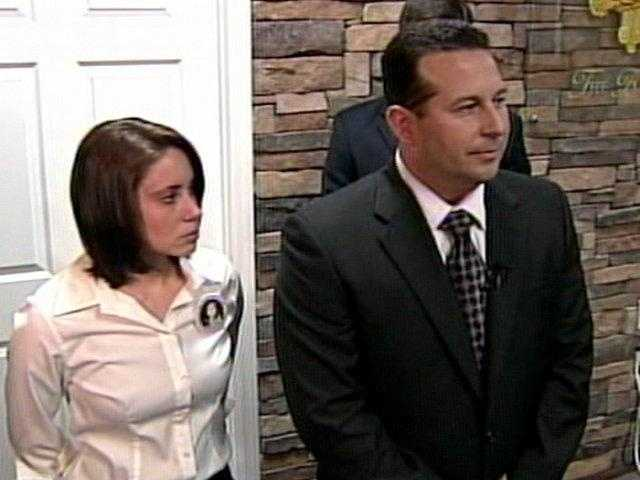 Jose Baez and Casey Anthony talk to the press.