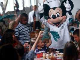 If you want to eat a meal with your favorite Disney character, it's a good idea to make a reservation at your Walt Disney World restaurant of choice. Of course, it never hurts to try to snag a table if you haven't, though.
