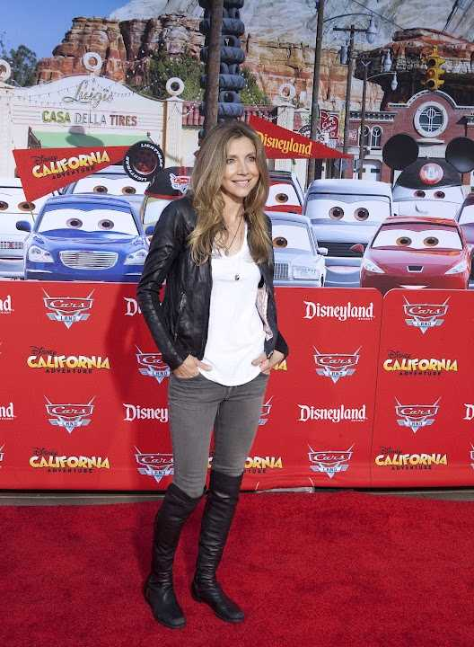"Sarah Chalke, known for her roles on the hit show ""Scrubs"" and Disney's ""Prep and Landing,"" checked out the new Cars Land."