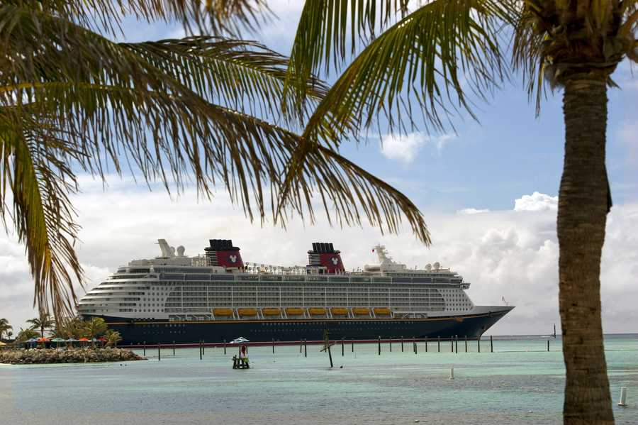 With the weather in most parts of the United States reaching scorching temperatures, how about a nice cool down?  Here are the top five ways to stay cool and get soaked aboard the newest Disney ship, Disney Fantasy.