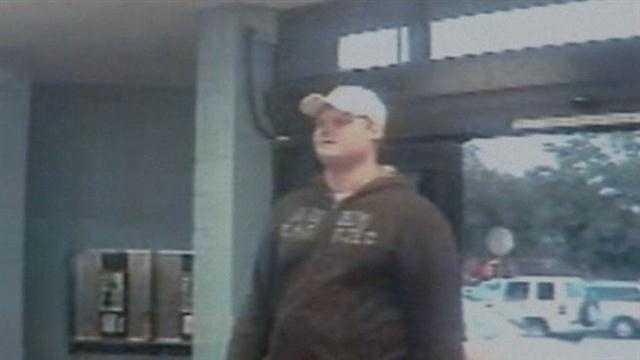 Man caught on surveillance robbing Walmart in Altamonte Springs