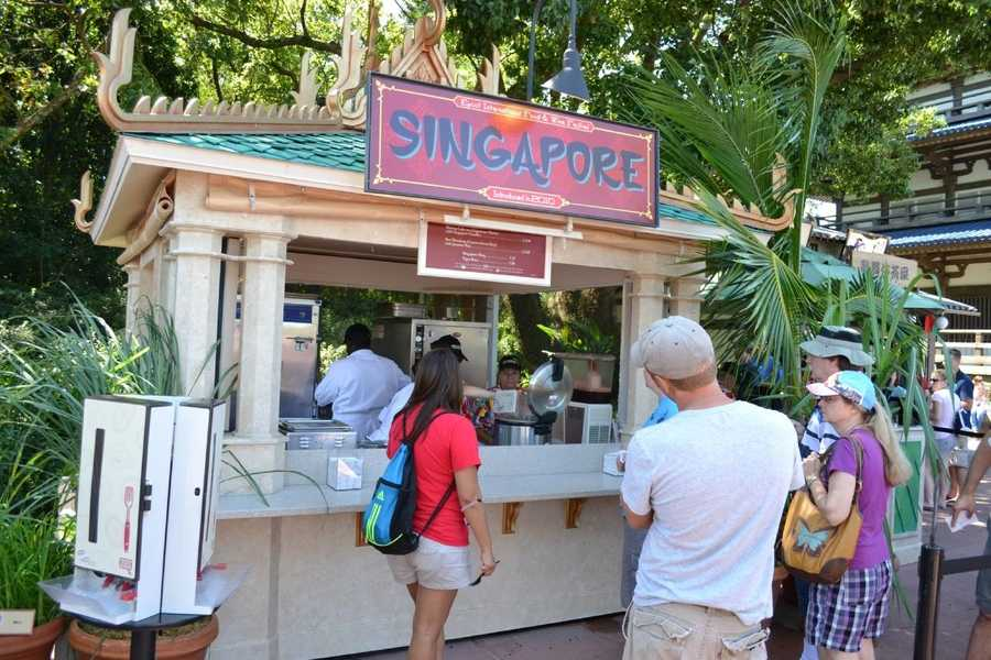 "SINGAPOREFood:-Beef Rendang with Jasmine Rice-Seared Mahi Mahi with Jasmine Rice and ""Singa"" SauceDrinks:-Tiger Beer-Marqués de Cáceres Satinela-Singapore Sling"