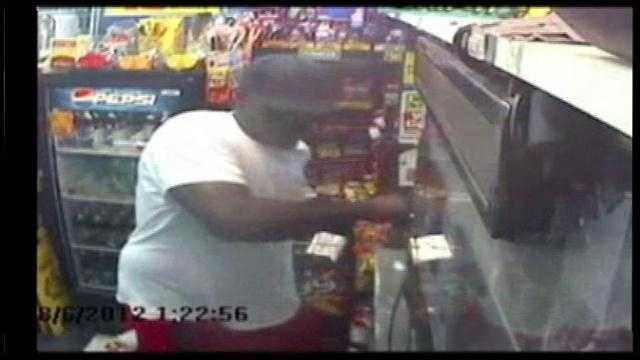 RAW VIDEO: Polk County BP robbery