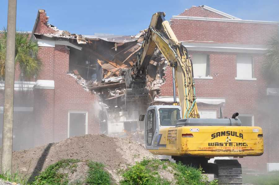 The historic Stover Theatre at Stetson University in DeLand is coming down, courtesy of a wrecking ball.