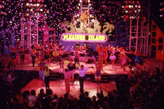 New Year's Eve was celebrated every night at Pleasure Island from 1990 until 2005 with music, dancing and confetti.