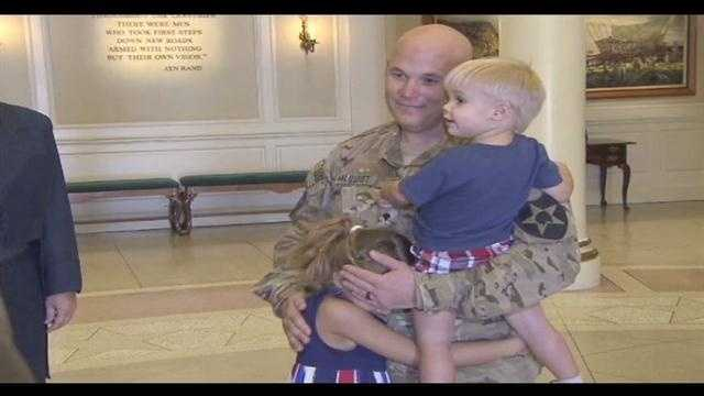 Father returns from Afghanistan, reunites with children at Disney