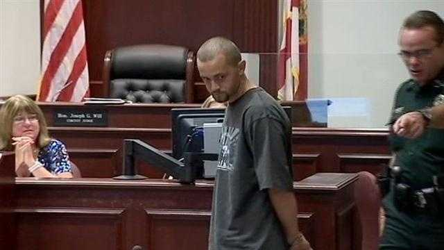 Officials say a man who feared another arrest after his sentencing hearing tried to flee the courthouse in Daytona Beach early Monday.