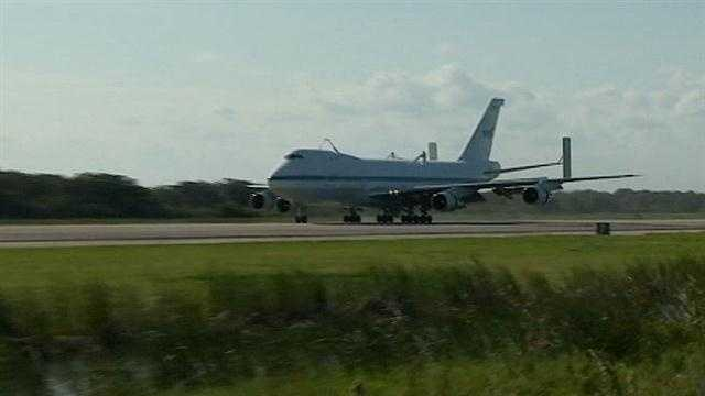NASA prepares to move Endeavour