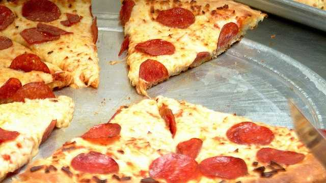 See where you can get the best pizza in Central Fla., according to WESH 2 Facebook fans.