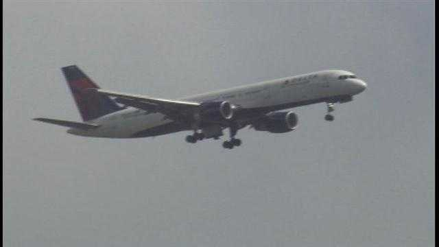 A Delta Airlines flight from Atlanta to Orlando had landing gear issues Thursday afternoon.