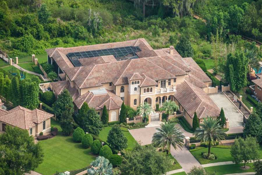 The Windermere home of former NFL star Warren Sapp is up for auction as part of his Chapter 7 bankruptcy case.