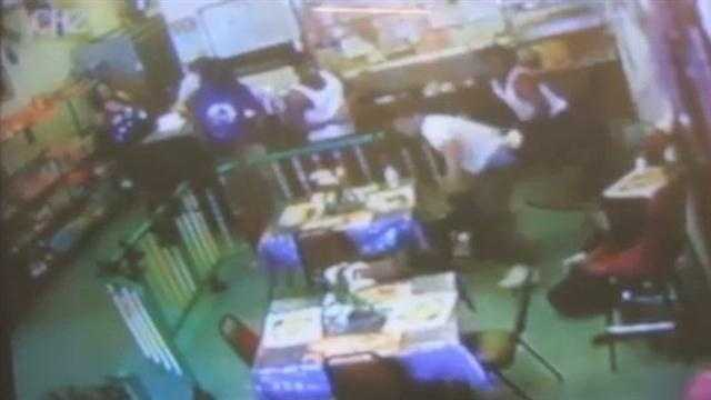 Video Man stabbed, beaten while eating lunch, police say