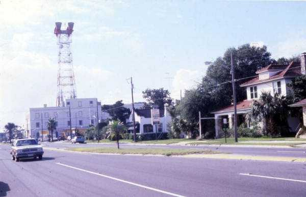 1979: Ridgewood Avenue