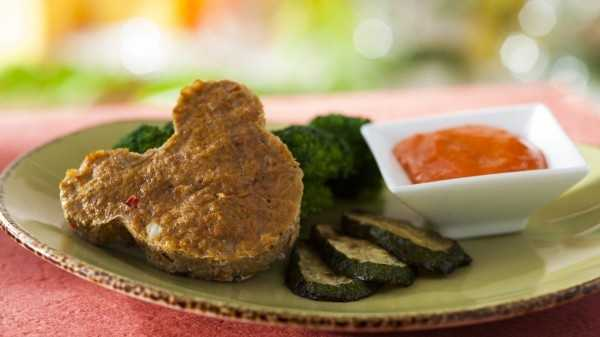 Turkey meatloaf with broccoli and peach applesauce