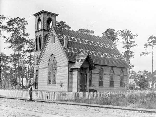 See historic pictures of Winter Park dating back to as early as the 1800s.1800s - Congregational Church of Winter Park