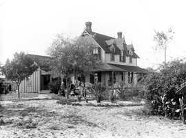 1880s - Hugh MacCollum residence