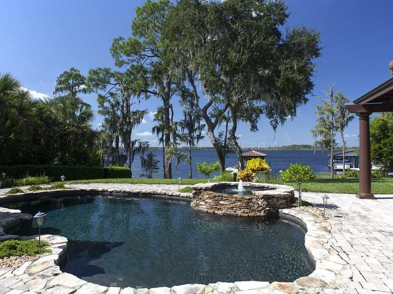It has everything to offer besides the beach with the pool and jacuzzi sitting right on the Lake and the boating dock.