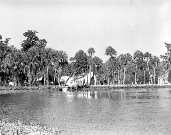"""Homosassa (Citrus County): The name comes form the Muskogee """"homo"""" (pepper) and """"sasi"""" (is there) -- the place where the wild pepper grows.  Homes along Homosassa Springs is shown in the photo in 1946."""
