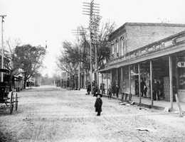 Starke (Bradford County): It was named after former Florida Gov. Starke Perry or possibly for Thomas Starke, a slaveholder who once owned much land around the area. This early 1900s picture is of downtown Starke.