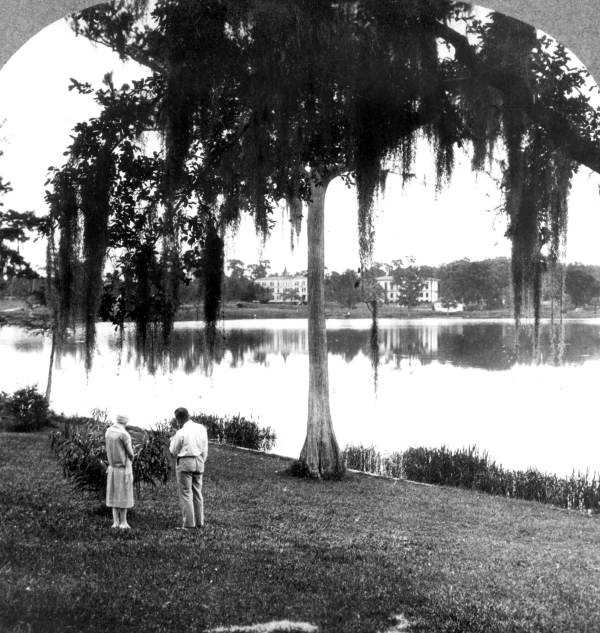 """Winter Park (Orange County): It was named by Loring Chase and Oliver Chapman, who were designing a town in the style of the New England town. They chose this name because the area was a """"veritable park in winter.""""This picture is of Winter Park in 1926."""