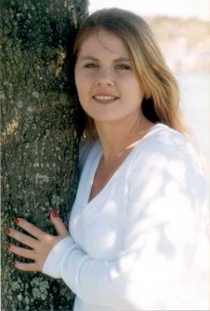 Susan Perkins, killed in Aug. 2004Florida Department of Law Enforcement:On August 31, 2004, at approximately 8:30PM Susan Perkins and a friend were tinting windows in a salon on Maitland Avenue. A masked black male entered the salon. He was armed with an unknown type of rifle. The suspect ordered Susan and the other female victim into Susan's red Ford Focus and made them drive to the Washington Mutual Bank at 500 E. Altamonte Drive. After making the victim withdraw money from her account via the drive through ATM machine, the suspect ordered the victims out of the vehicle and into the trunk.While leaving the bank, the victims were able to utilize the emergency release handle inside the trunk. The victims leapt from the trunk but Susan struck her head on the pavement in her brave attempt to escape. She suffered fatal injuries.The suspect in this case is described as a black male of medium build. He was wearing a mask and a long sleeve jacket that resembled a military type jacket. The suspect was said to have possibly smelled of motor oil.Any information on the above case can be forwarded to Lt. Jerry Warriner at 407-571-8270, Altamonte Springs Police Department or Crimeline at 1-800-423-TIPS regarding Case # 200410405172.