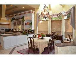 Vaulted ceilings with a sky view over the dining area.
