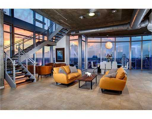 With over 5,200 square feet, this penthouse has enough room for whatever your heart desires. Listed at $2.19 million on Realtor.com, its modern features and amazing views will catch your attention.