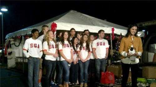 The Boone High School Braves helped to share their Christmas with WESH 2's Aixa Diaz.