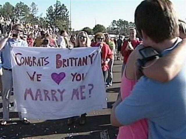 19. Woman Gets Proposal After Disney Marathon - Thousands of runners have big accomplishments to celebrate after the weekend races at Walt Disney World, and one woman left the race with more than just a medal. (Read story)