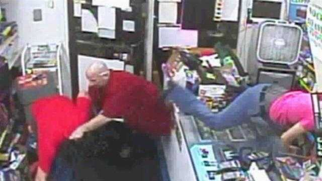 Clerk tackled in store robbery