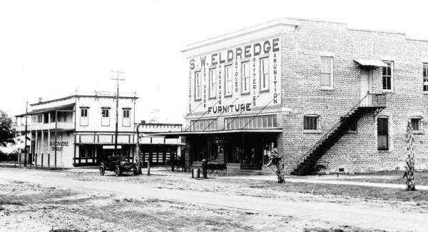 1915: The S.W. Eldredge general store